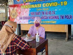 Semangat Masyarakat Solo Vaksinasi Di RSAU dr. Siswanto Lanud Smo