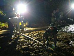 Rampungkan Jalan Cor Beton, Satgas TMMD Kodim 0204/DS Bekerja Tak Kenal Waktu