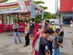 Mendukung PPKM Level 4 Di Kota Medan, Kapolres Pantau Pos PPKM Mikro di Desa Firdaus