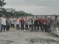 Tim Kelompok 80 Penyelesaian Lahan Tinjau Lokasi di Desa Bagan Kuala Dan Desa Tebing Tinggi